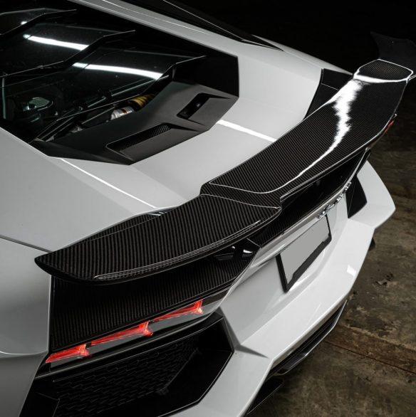 white-lamborghini-aventador-lp700-4-adv1-wheels-1016-carbon-fiber-aero-kit-E-1619x1080-min